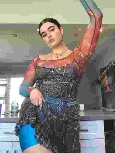 Barbie Ferreira, 22, é modelo plus size e chamou atenção no papel de Kat na série da HBO - Reprodução/Instagram