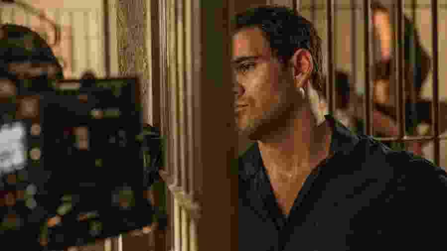 Depois de seis meses, Brenda e Leila visitam Magno na prisão - Globo/Victor Pollak