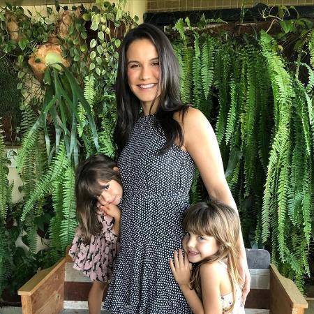 Grávida, Kyra Gracie aparece ao lado das filhas, Ayra, de 5 anos, e Kyara, de 3 - Reprodução / Instagram