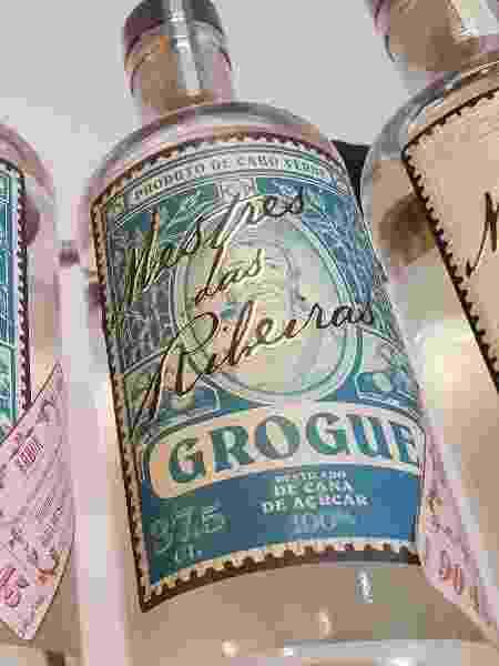Grogue, bebida típica em Cabo Verde, é para fortes: mais de 40% de teor alcoólico  - Marcel Vincenti/UOL - Marcel Vincenti/UOL