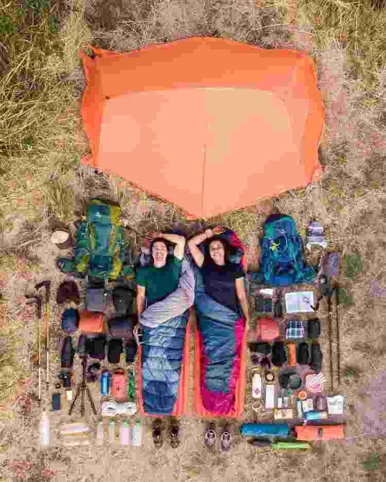 Renan e Lais em registro feito durante um acampamento dentre as viagens - Arquivo Pessoal - Arquivo Pessoal