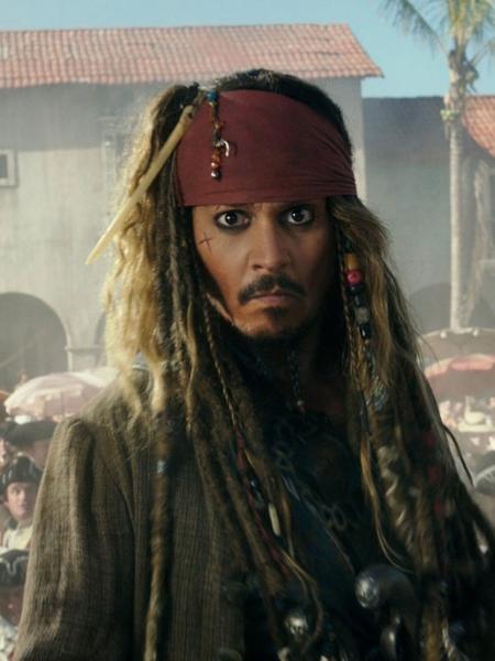 Jack Sparrow em cena de Piratas do Caribe (2003 a 2017) - Reprodução