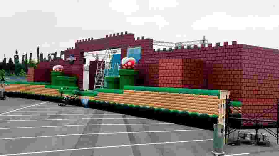 """Ainda em fase preliminar, montagem do """"Super Nintendo World"""" começou com um cenário que lembra os games de """"Mario"""" - Reprodução"""