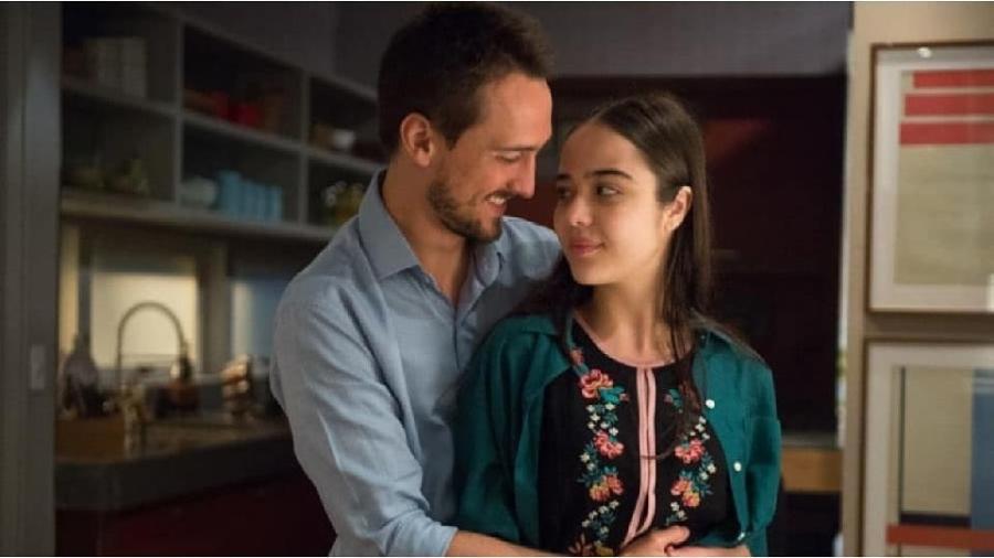 Rafael (Igor Angelkorte) e Laura (Bella Piero) - Reprodução/Instagram