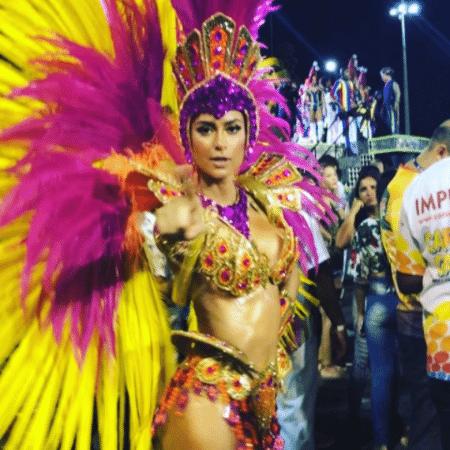 Thaila Ayala durante desfile da Grande Rio - Reprodução/Instagram/thailaayala