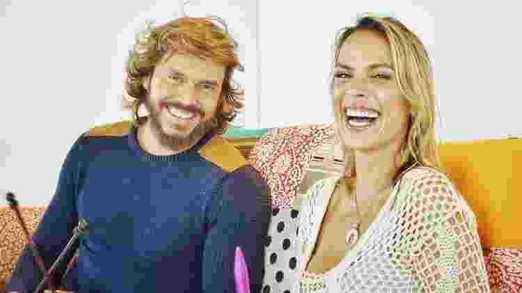 """Franklin David e Lígia Mendes são os apresentadores do """"Tricontando"""", novo programa da RedeTV! - Divulgação/RedeTV - Divulgação/RedeTV"""