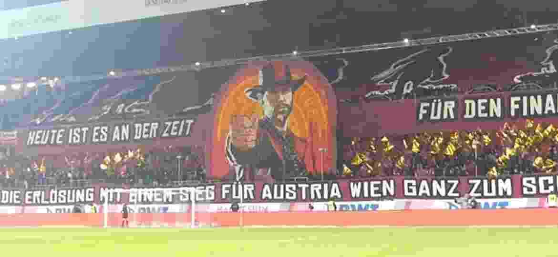 "Mosaico de ""Red Dead Redemption 2"" no Campeonato Austríaco de futebol - Reprodução"
