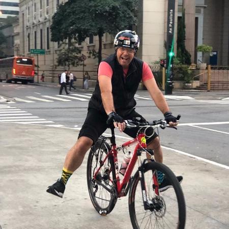 Fernando Rocha pedala por São Paulo - Reprodução/Instagram/fernandorocha11