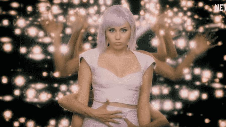 Miley Cyrus em Black Mirror - Reprodução/YouTube