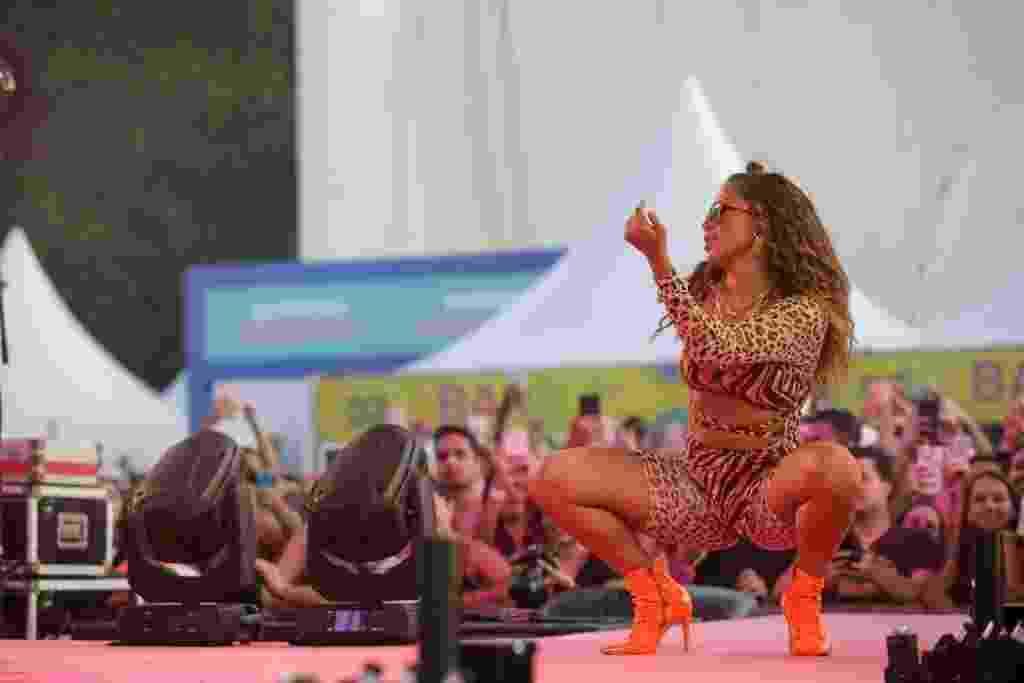 ***INTERNET OUT** SAO PAULO, SP, 25/01/2020: Ensaio do bloco da Anitta SP - A cantora Anitta posa durante show no ensaio do bloco da cantora Anitta, no Memorial da America Latina. (Foto: Marcelo Justo/UOL) ATENCAO: PROIBIDO PUBLICAR SEM AUTORIZACAO DO UOL - Nelson Antoine/UOL