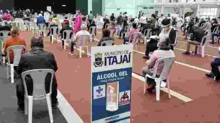 Em Itajaí (SC), o medicamento foi distribuído para pessoas com ou sem sintomas da covid-19 - Divulgação - Divulgação