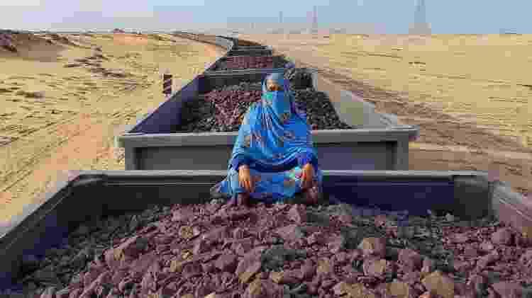 Ana Vieira no trem de minério de ferro na Mauritânia - Arquivo pessoal - Arquivo pessoal