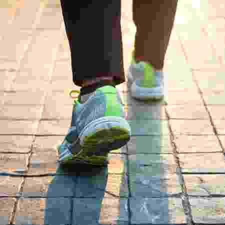 Começar a andar mais devagar, de repente, é um indicativo de problemas de saúde - iStock - iStock
