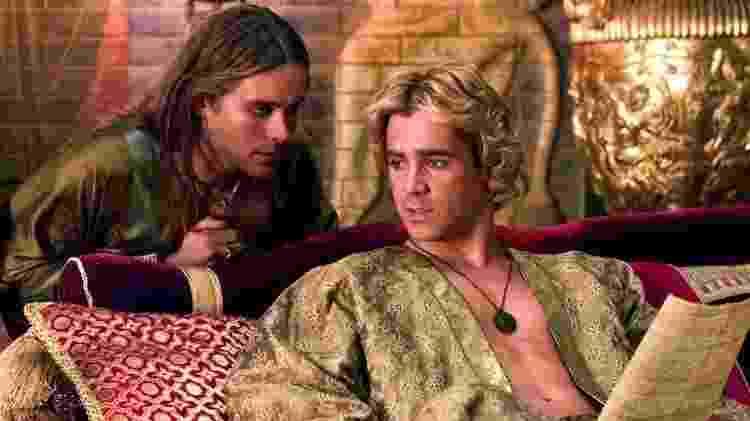 Jared Leto e Colin Farrell como Heféstion e Alexandre, respectivamente, em 'Alexandre' (2004) - Reprodução - Reprodução