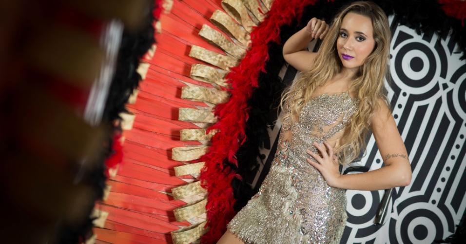 Bruna Fonseca, Rainha de Bateria da Unidos de Vila Maria, em ensaio exclusivo para o UOL no barracão da escola, na zona norte de São Paulo