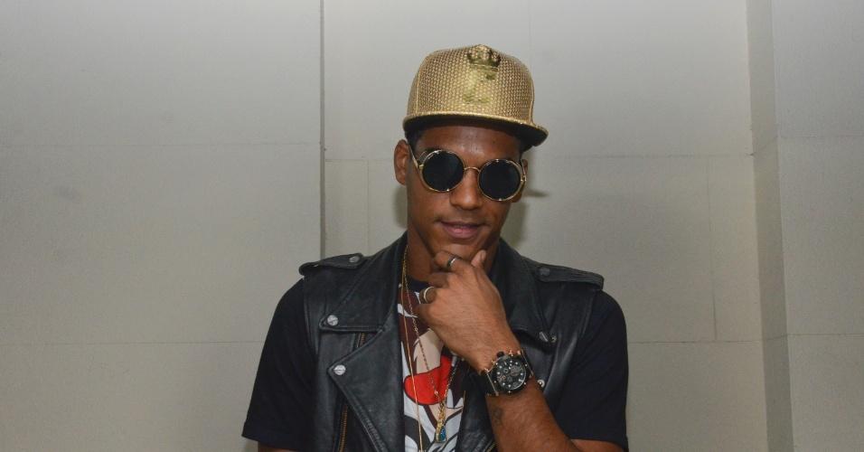 5.fev.2015 - O ator e cantor Marcello Melo Jr. do Grupo Melanina Carioca, no CarnaUOL RJ