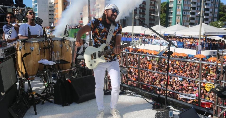 """6.fev.2016 - Bell Marques bota o """"Vumbora"""" novamente na avenida em Salvador: """" Salvador está diferente, o Carnaval também está diferente. Todos os anos eu chego querendo fazer algo e acabo mudando"""""""