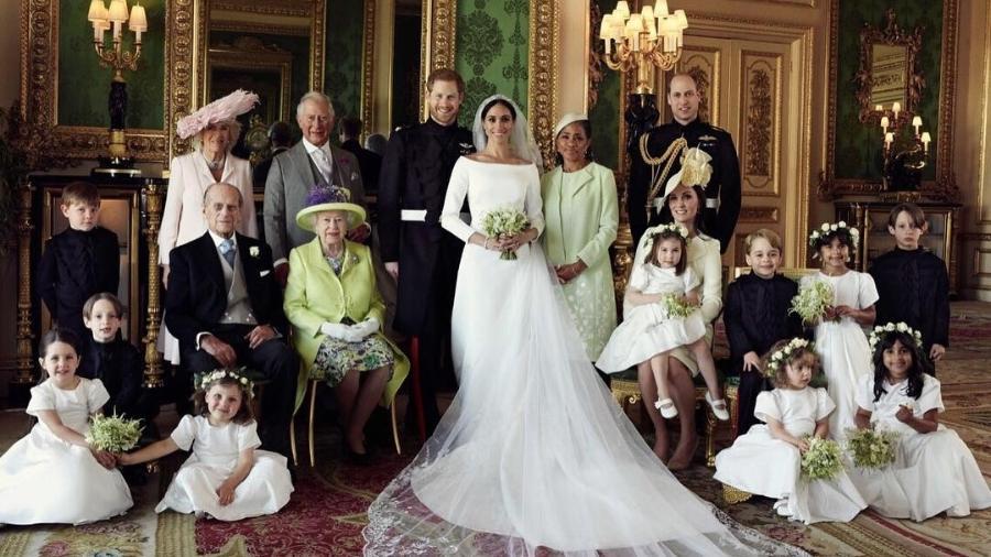 Harry e Meghan posam com a família real em foto oficial divulgada pelo palácio de Kensington - Reprodução/Instagram