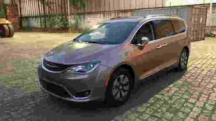 Chrysler Pacifica Hybrid DPR - Divulgação - Divulgação