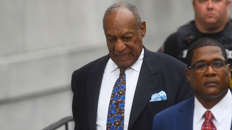 Bill Cosby é fotografado ao chegar para julgamento nos Estados Unidos na última terça-feira (25) - Mark Makela/Getty Images