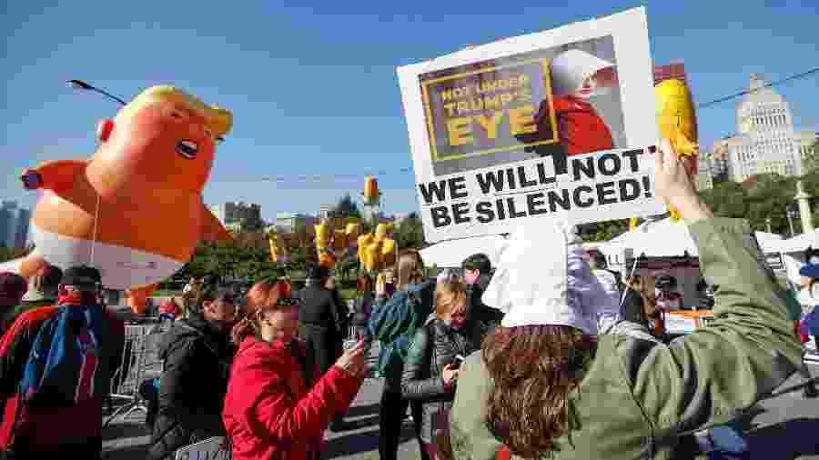 """Chicago faz manifestação contra política """"antimulheres"""" de Trump - AFP"""