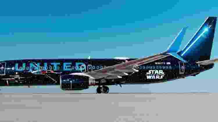 Aeronave da United foi customizada para promover o novo Star Wars - Reprodução/Facebook United Airlines