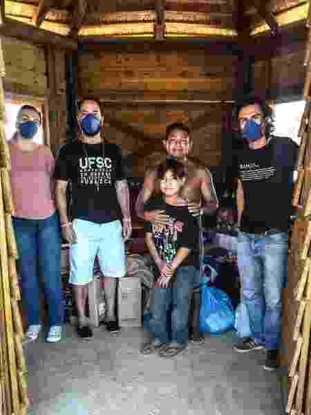 Entrega de doações à comunidade Guarani M'Bya, em Torres (SC) - Roger Ceccon/Arquivo pessoal - Roger Ceccon/Arquivo pessoal
