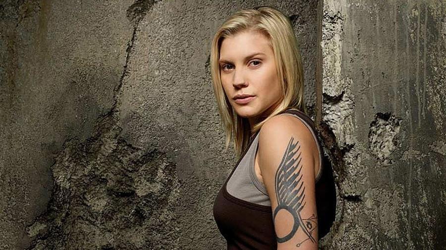 """Katee Sackhoff em imagem promocional de """"Battlestar Galactica"""" - Reprodução"""