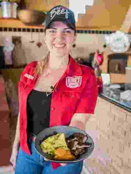 Julia Carvalho: prato de churrasco com molho do Oeste Paulista - Arquivo pessoal - Arquivo pessoal