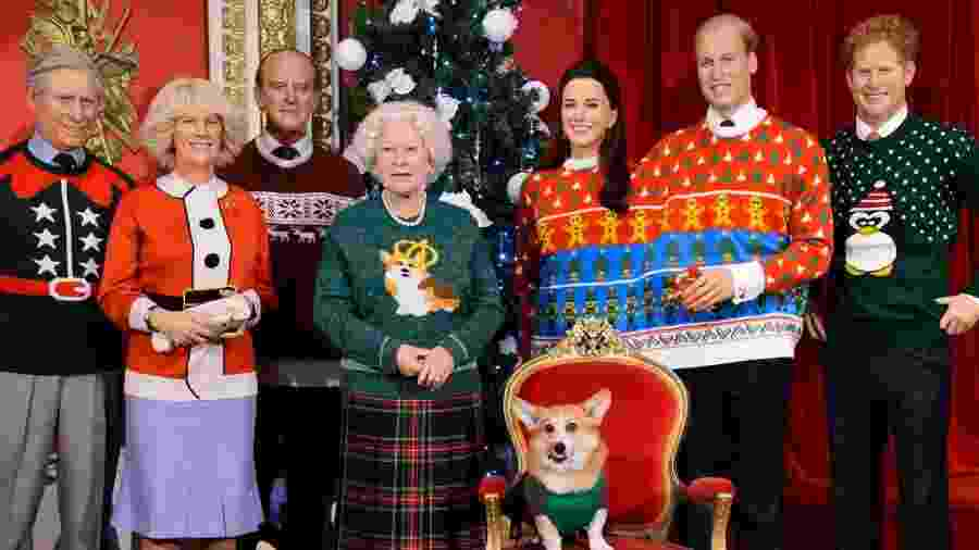 Estátuas de cera da família real britânica aparecem vestidas com figurino de Natal  - Divulgação/MadameTussauds