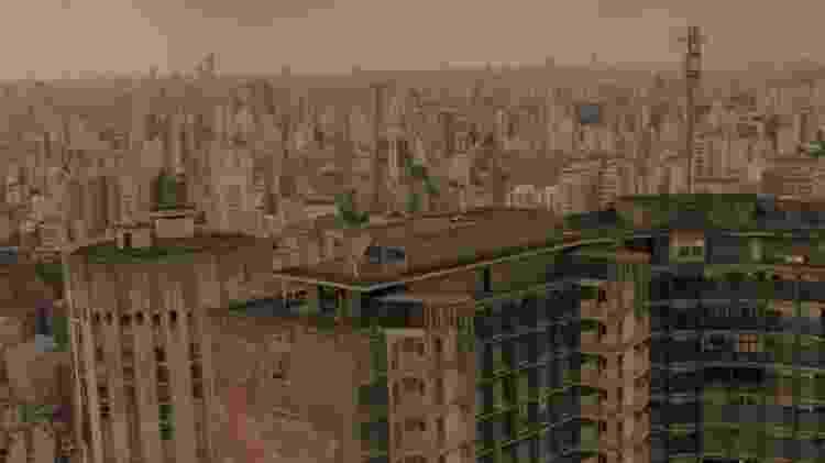 """Cena aérea de """"Striking Vipers"""", de """"Black Mirror"""", filmada no heliponto do edifício Copan - Divulgação"""