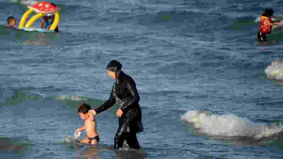 A vigilância ao corpo feminino parece ser uma máxima na onda neoconservadora que atinge o planeta - AFP