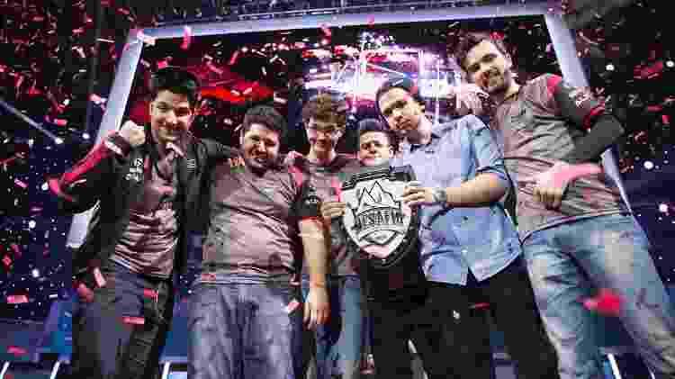 A paiN Gaming em alta: em 2015, o time foi campeão brasileiro e venceu o Desafio Internacional, garantindo vaga no Mundial - Divulgação/Riot Games