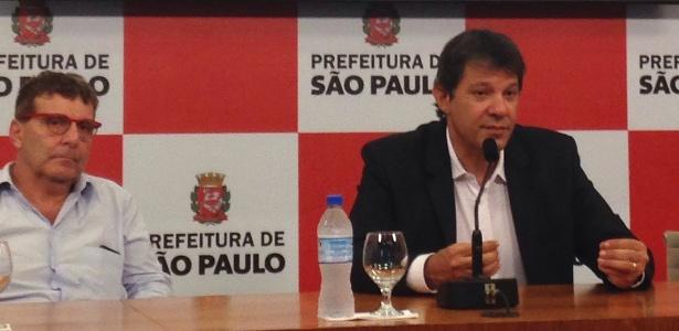 O secretário de Cultura de São Paulo, Nabil Bonduki (esq.) e o prefeito Fernando Haddad participam de entrevista coletiva de lançamento do circuito municipal de salas de cinema - Jotabê Medeiros/UOL