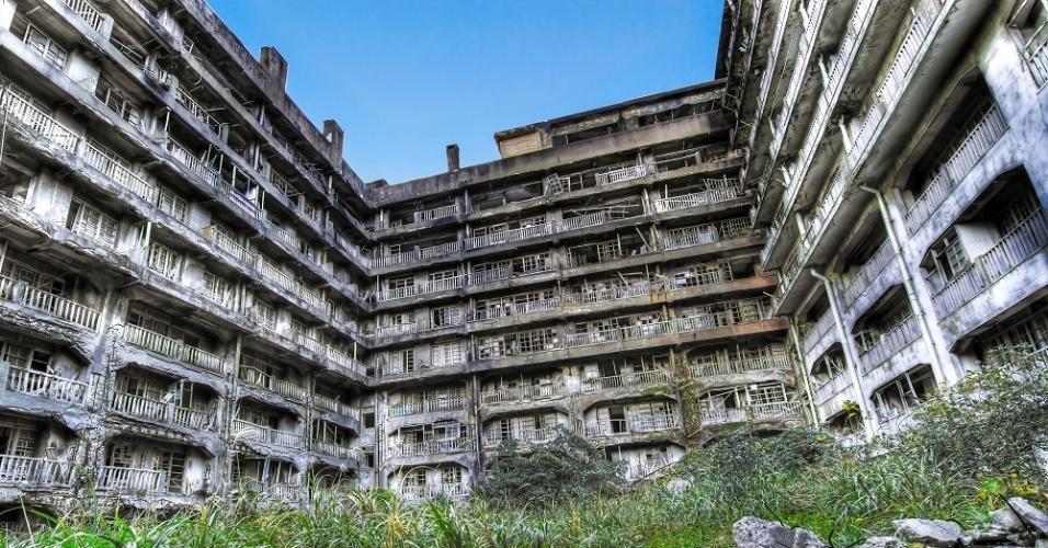 A ilha teve mais de 5.000 habitantes, mas foi abandonada nos anos 1970