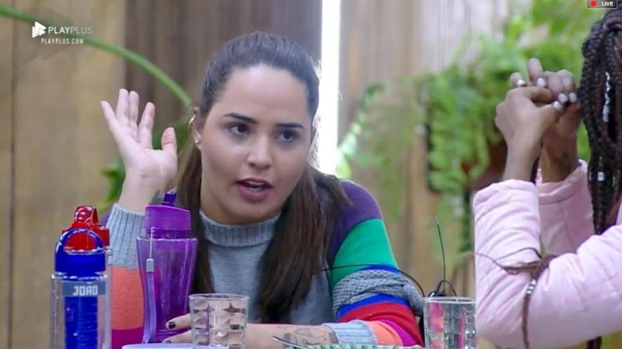 """Perlla fala sobre suas crenças religiosas em """"A Fazenda 10"""" - Reprodução/PlayPlus"""