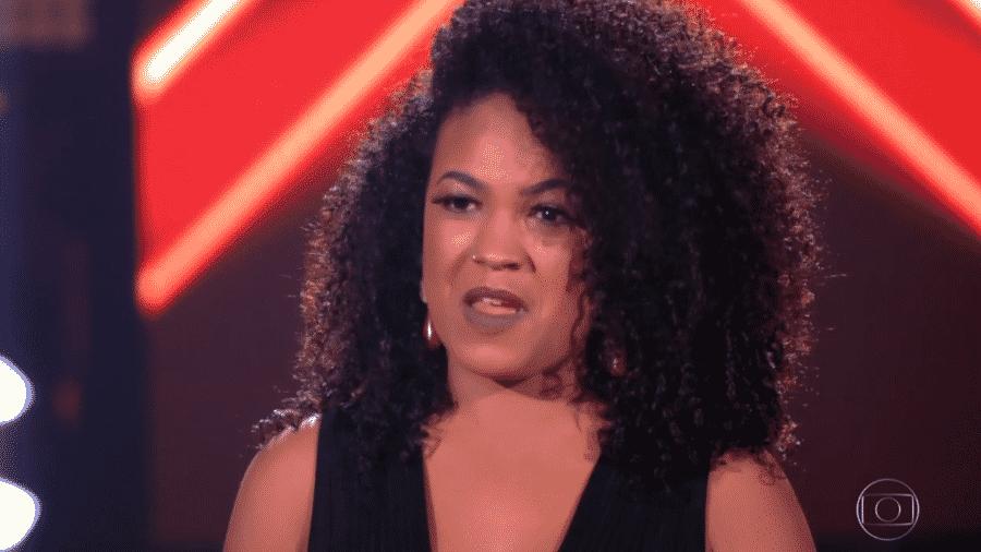 Carol Santilia, backing vocal do cantor Belo - Reprodução/TV Globo