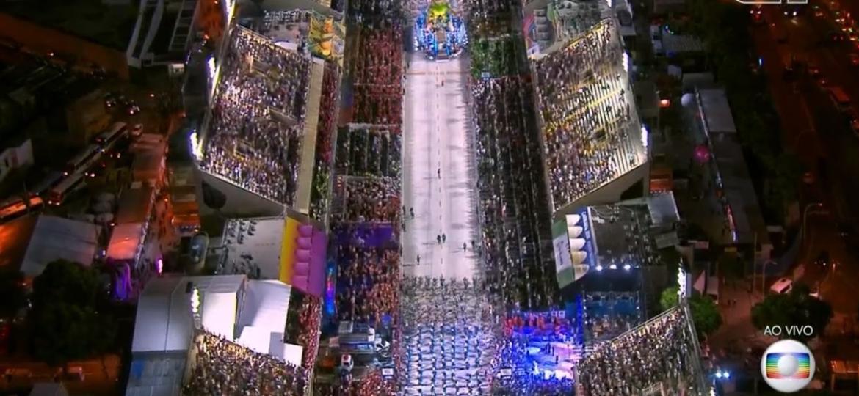Buraco no desfile da União da Ilha - Reprodução/TV Globo