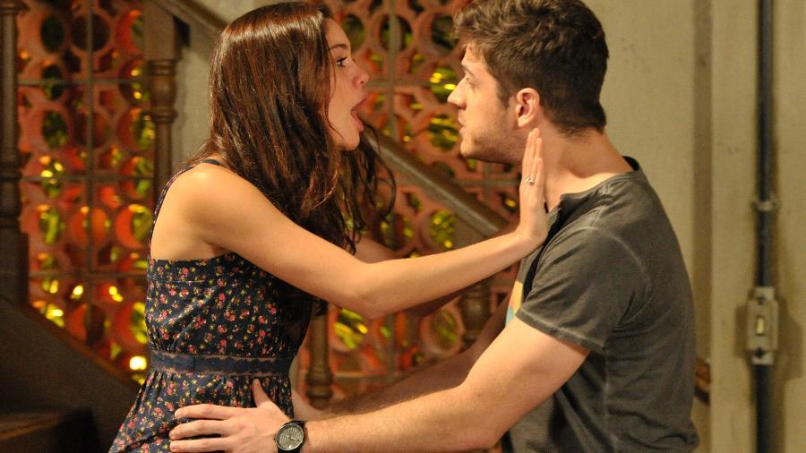 Amália ( Sophie Charlotte ) termina com Rafael ( Marco Pigossi ). - TV Globo / João Cotta