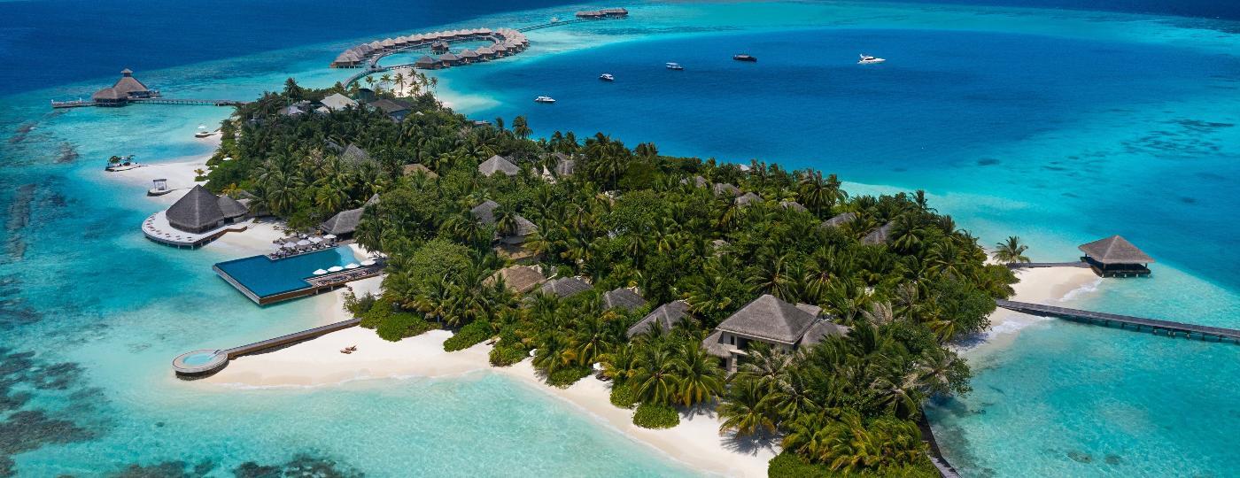 Resort Huvafen Fushi, localizado em uma ilha privativa das Maldivas, promete muita sensação de isolamento para viajantes endinheirados - Divulgação