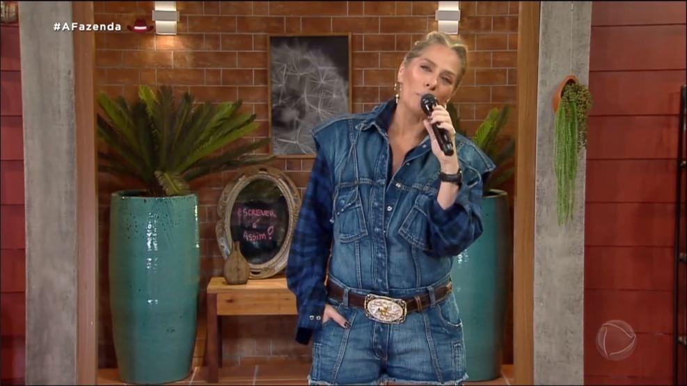 A Fazenda 2021: Adriane Galisteu en el programa grabado del domingo - clon / Record TV