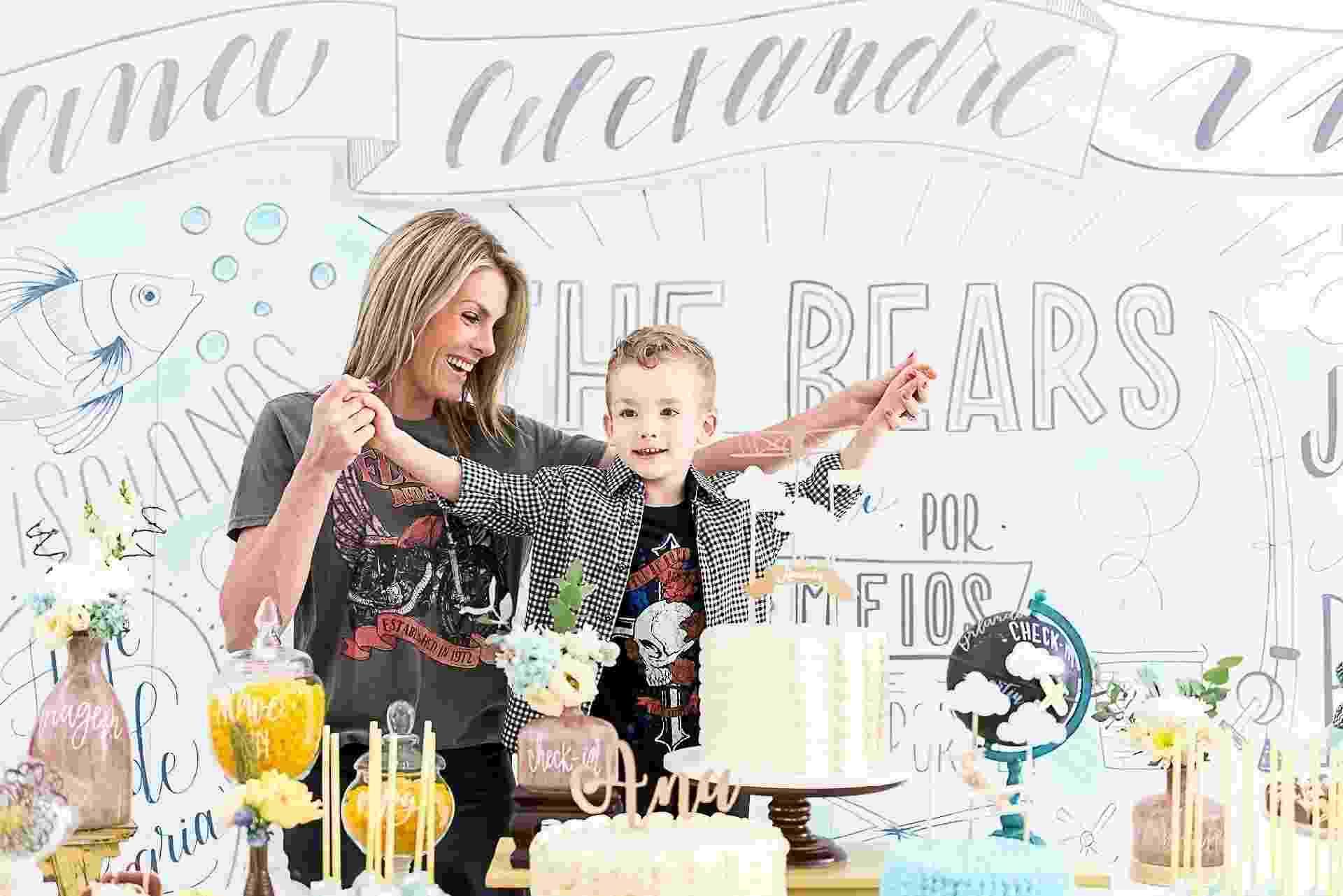 7eb49280f3bd1 Filho de Ana Hickmann comemora aniversário ao lado da mãe  veja a decoração
