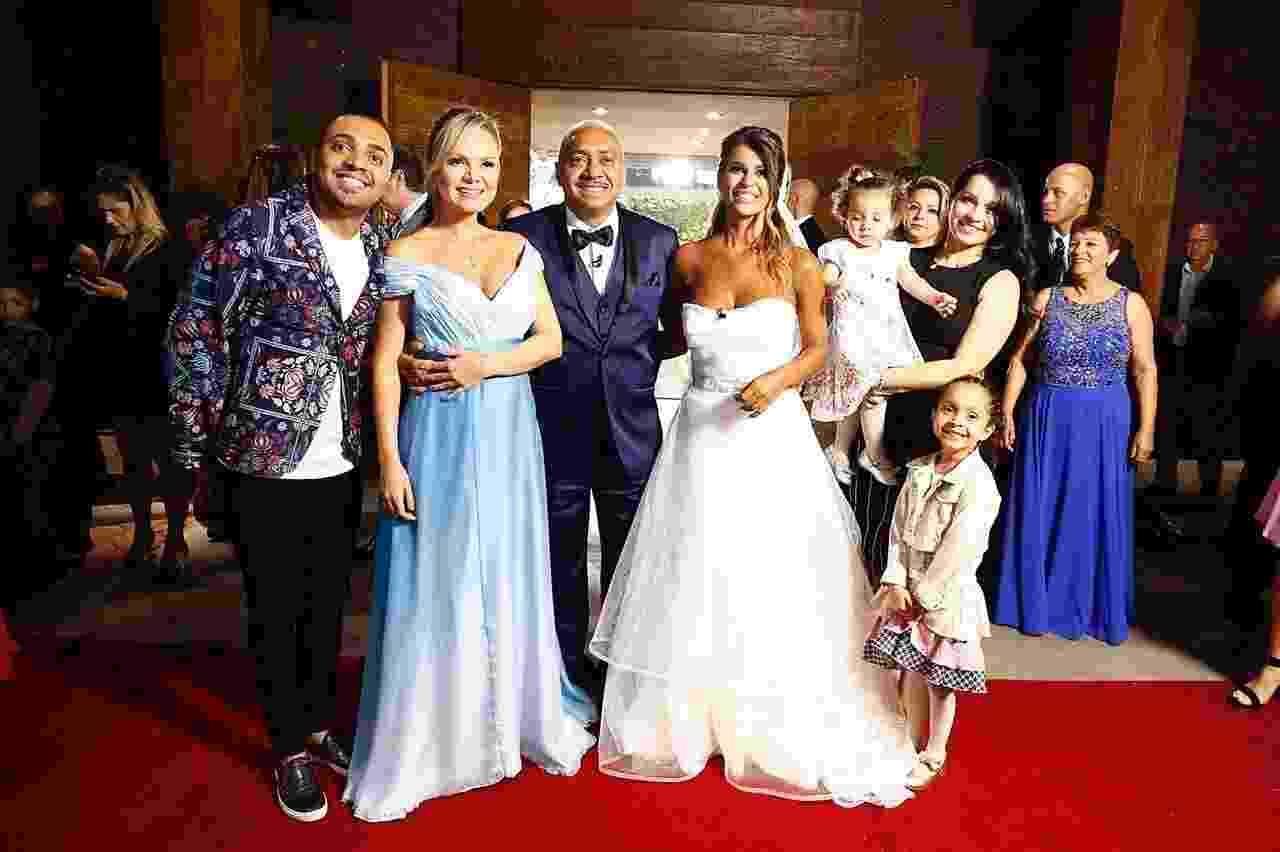 Eliana realiza casamento surpresa para Tiririca em seu programa no SBT - Divulgação/SBT