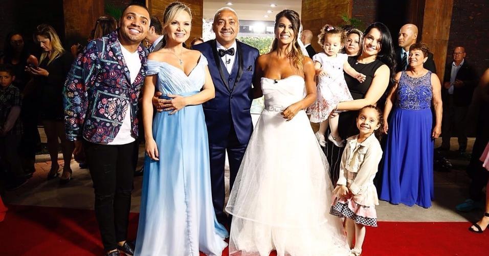 Eliana realiza casamento surpresa para Tiririca em seu programa no SBT