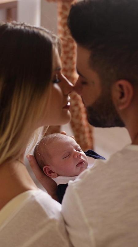 Andressa Suita e Gusttavo Lima com o filho, Gabriel - Reprodução/Instagram
