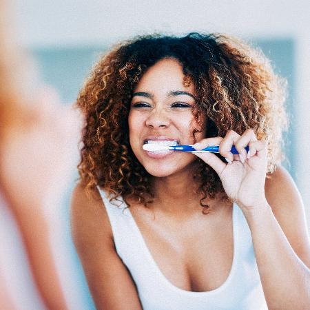 Pessoas com periodontite têm pressão sistólica três pontos maior que pacientes hipertensos com a boca saudável  - Getty Images