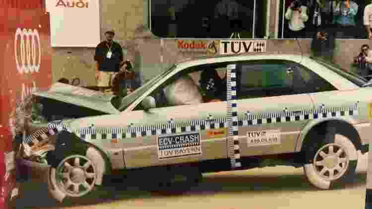 Crash test do Audi A6 no Salão do Automóvel de 1995 - Divulgação - Divulgação