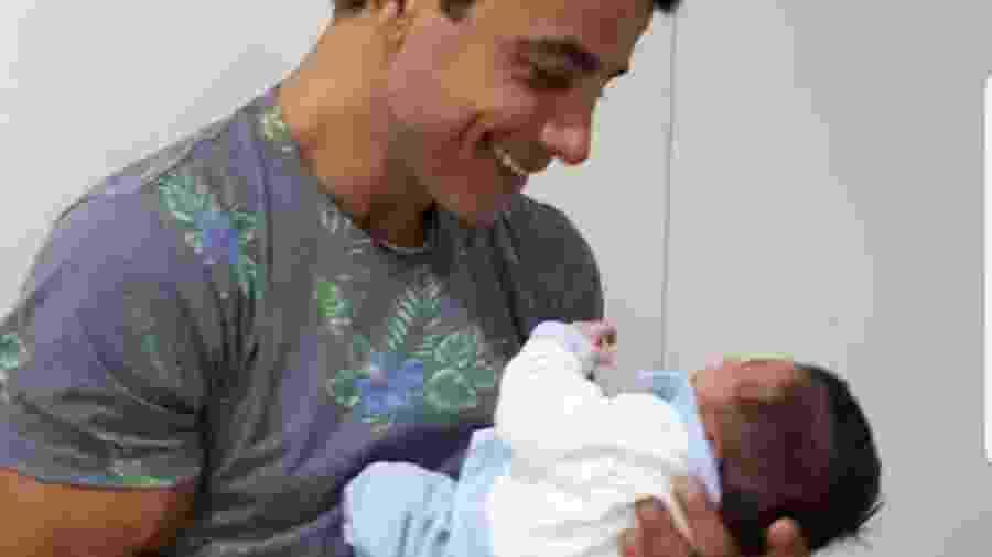 Ator Anderson Di Rizzi comemora o nascimento do segundo filho - Reprodução/Instagram