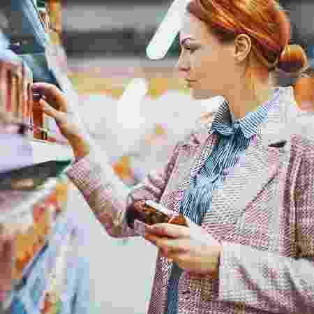 Uma das propostas da Anvisa é que os fabricantes tornem mais legíveis os dados nutricionais de seus produtos - iStock