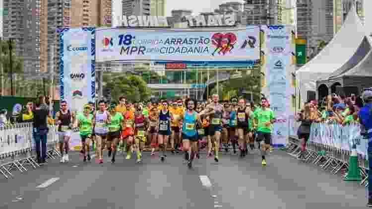 A Corrida Arrastão MPR pela Cidadania foi criada em 2001 pelo treinador Marcos Paulo Reis e parceiros  - Flávio Damião - Flávio Damião